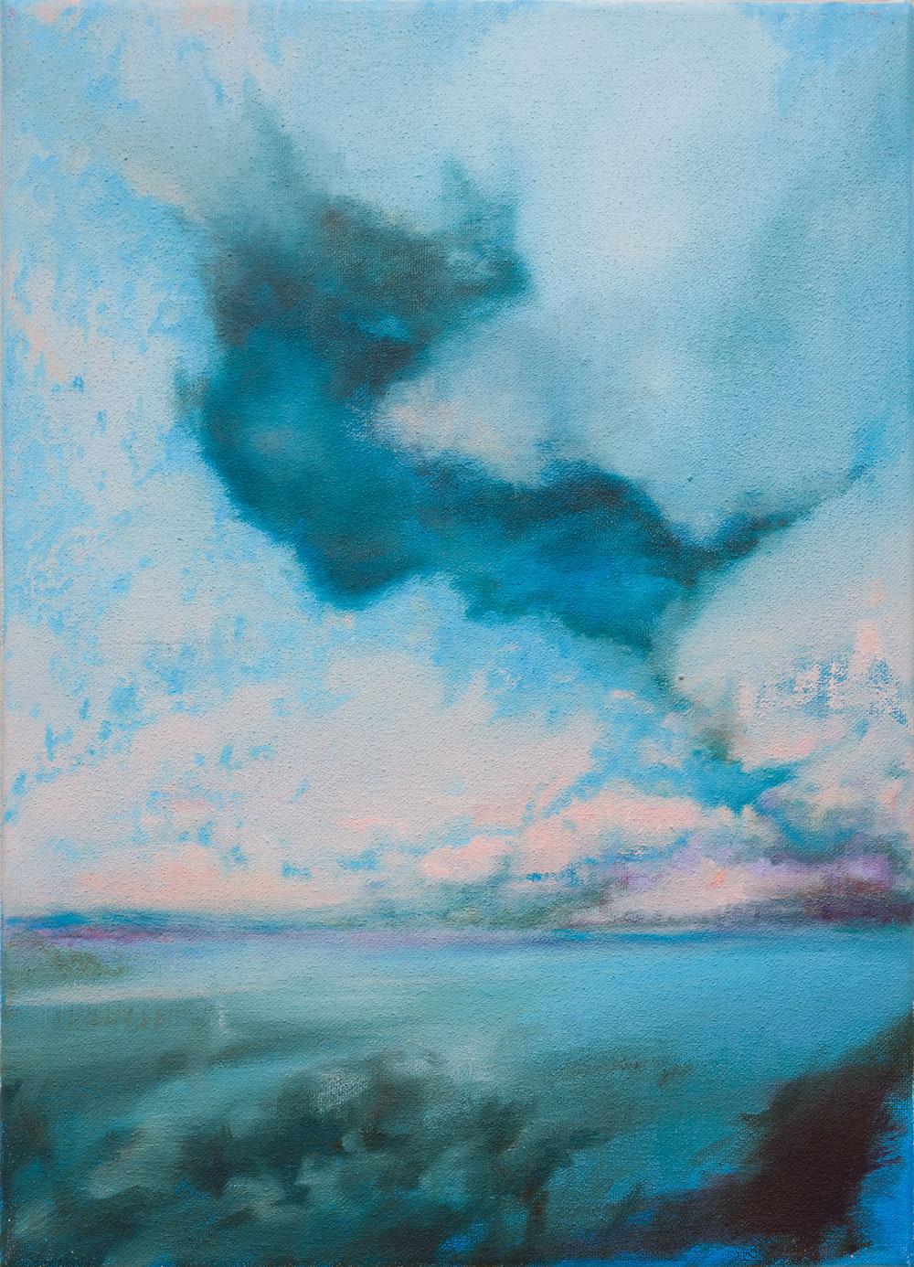 weiter Horizont, dunstblaue Wolkenformation